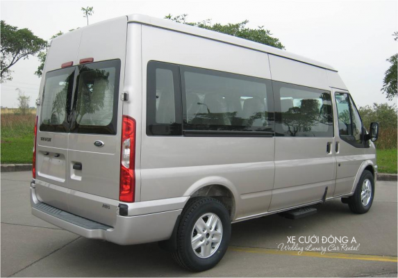 thue-xe-cuoi-hoi-fordtransit-16cho